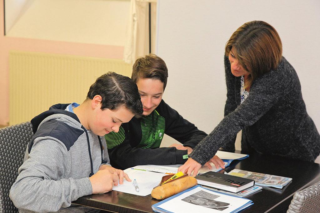 Travail entraide section d'enseignement général et professionnel adapté SEGPA collège Charles de Foucauld Brest Groupe scolaire Estran