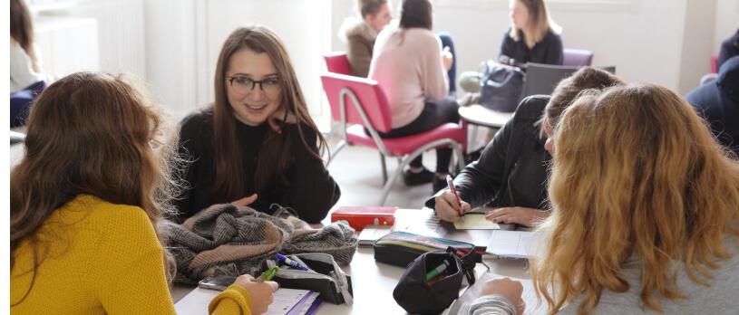 Éducation enseignement apprentissage seconde première générale technologique terminale STL STMG lycée Charles de Foucauld Brest Groupe scolaire Estran