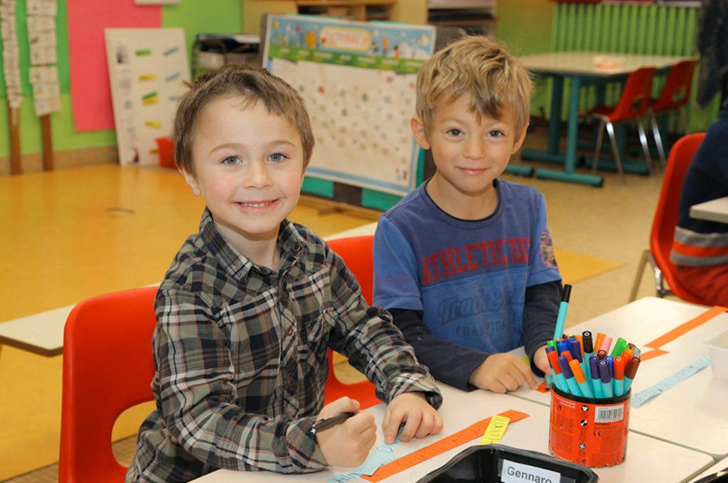 Petits garçons dessin collage école maternelle primaire élémentaire éducation enseignement épanouissement élèves Immaculée Conception Brest